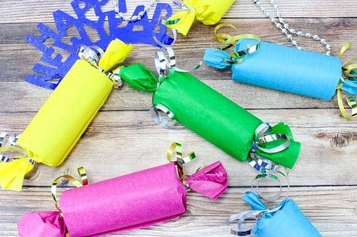 New Years Eve Party Ideas for the kids that families will love. Fun, DIY Things to do that includes games and crafts.